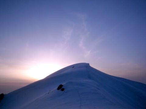 夕焼けに染まる大日岳